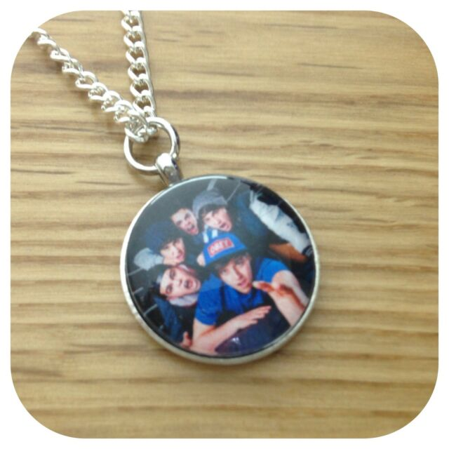 The**VAMPS** BOY ** BAND round charm  necklace