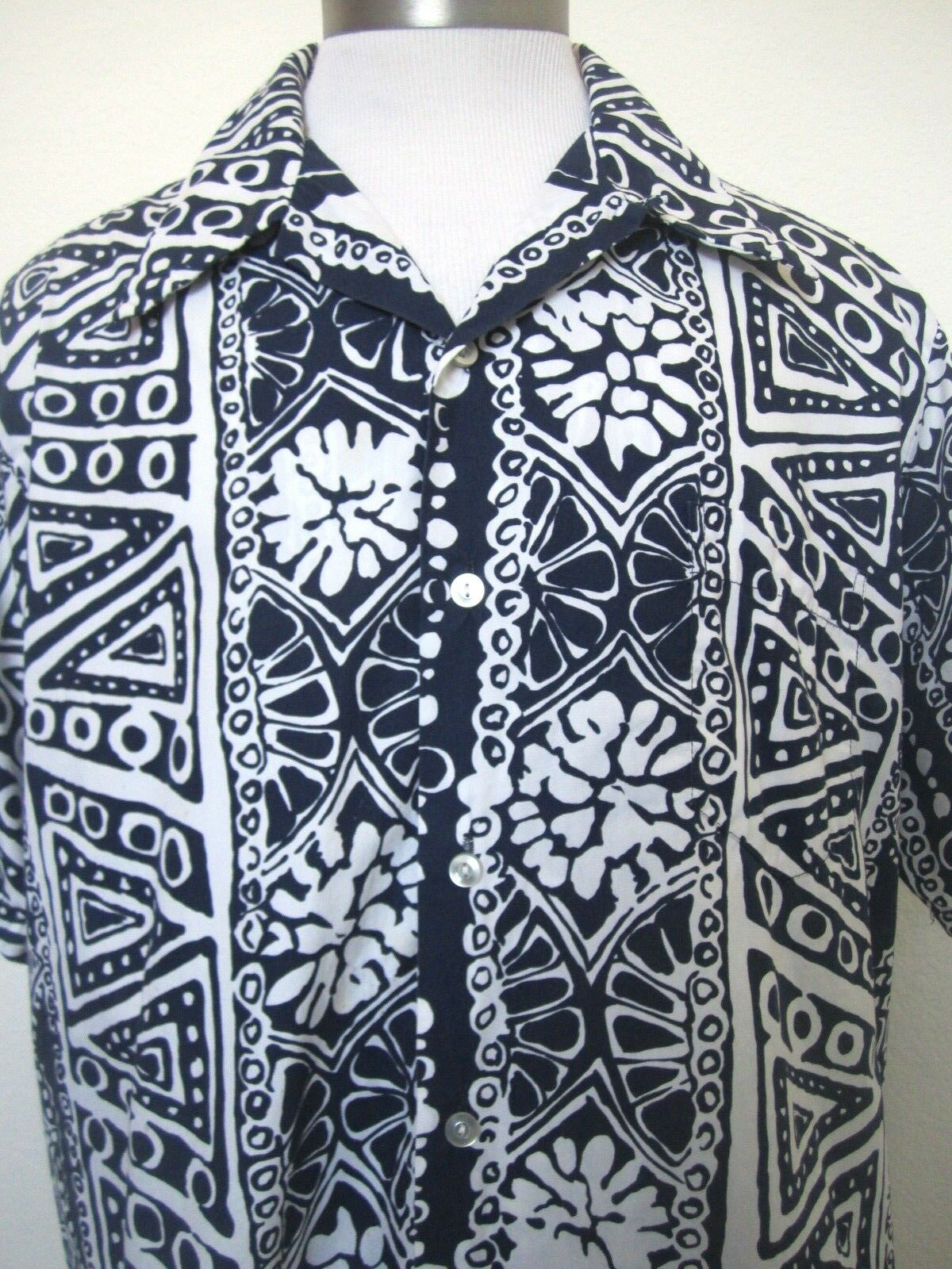 06f21cadb0f Kahala Mens Vintage Short Sleeve bluee White Floral Size XL Hawaiian ...