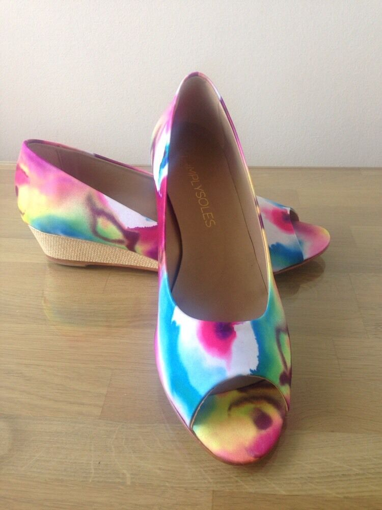 Simply Soles Peep Toe Wedge 9.5 Orchid Floral Print Fabric, 9.5 Wedge 2a27b1