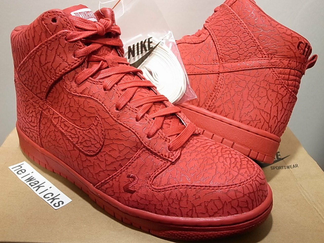 2008 NIKE DUNK HIGH PREMIUM ULTIMATE GLORY CHAVEZ Varsity Red 323955-661 sz 8.5