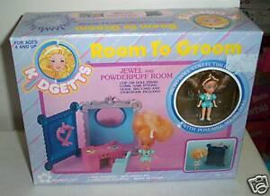 1830-Vintage-NIB-Meritus-Kidgetts-Room-To-Groom-Playset-with-Rebecca-Ford-Doll