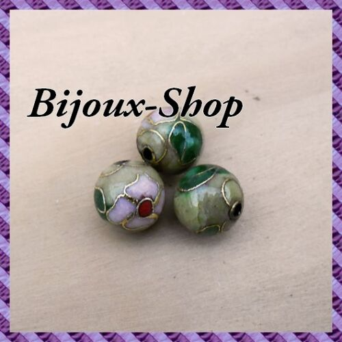 Olive Painted a la Hand 12mm 18 Beads Metal