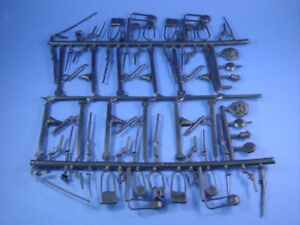 MARX-CIVIL-WAR-TOY-SOLDIERS-WEAPONS-EQUIPMENT-CAMP-SPRUE-60-PIECES-FREE-SHIP