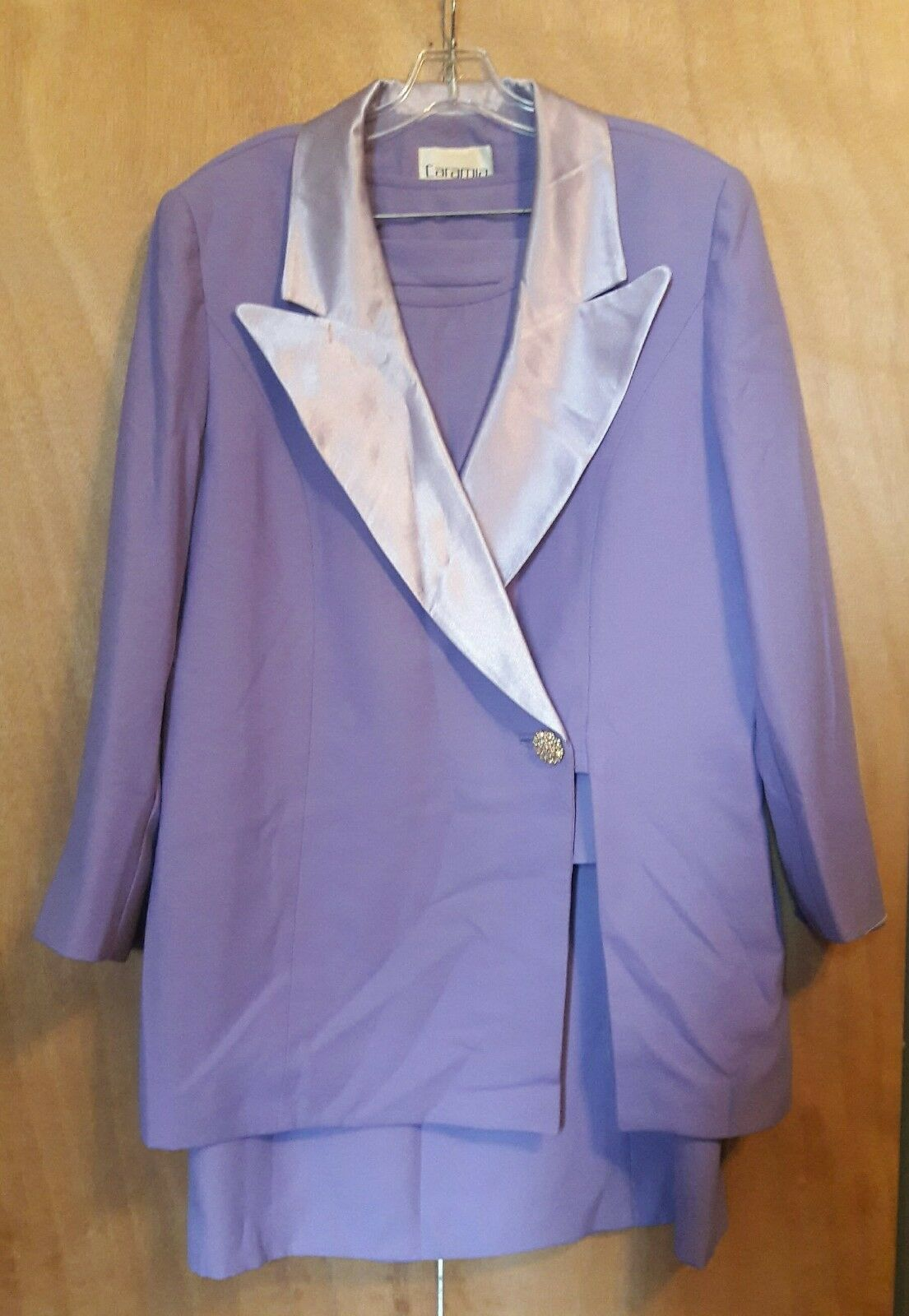 Caramia 3 piece suit-Lavendar, Fully Lined, Great Condition