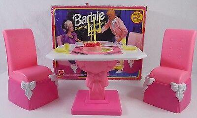 1992 Mattel Barbie Formal Royal Dining Room Furniture Playset Flip Table NEW