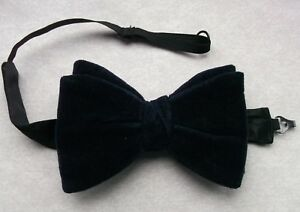 4b3ff04480c6 Image is loading Bow-Tie-Vintage-Velvet-Mens-Bowtie-RETRO-1970s-