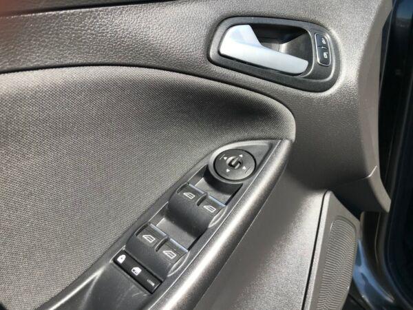 Ford Focus 1,5 TDCi 120 Trend stc. billede 12
