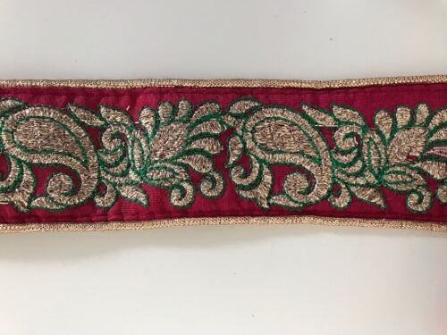 ATTRACTIVE INDIAN GOLD ZARDOSHI PAISLEY EMBROIDER RED SILKYFABRIC TRIM//LACE-1MTR