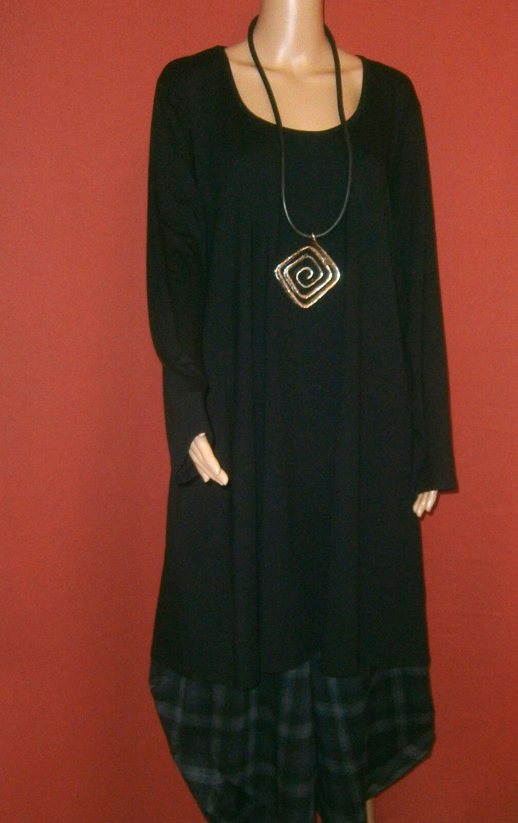 Ophilia  Tunika Kleid schwarz Langarm A-Linie Lagenlook Gr. 50 - 52 NEU