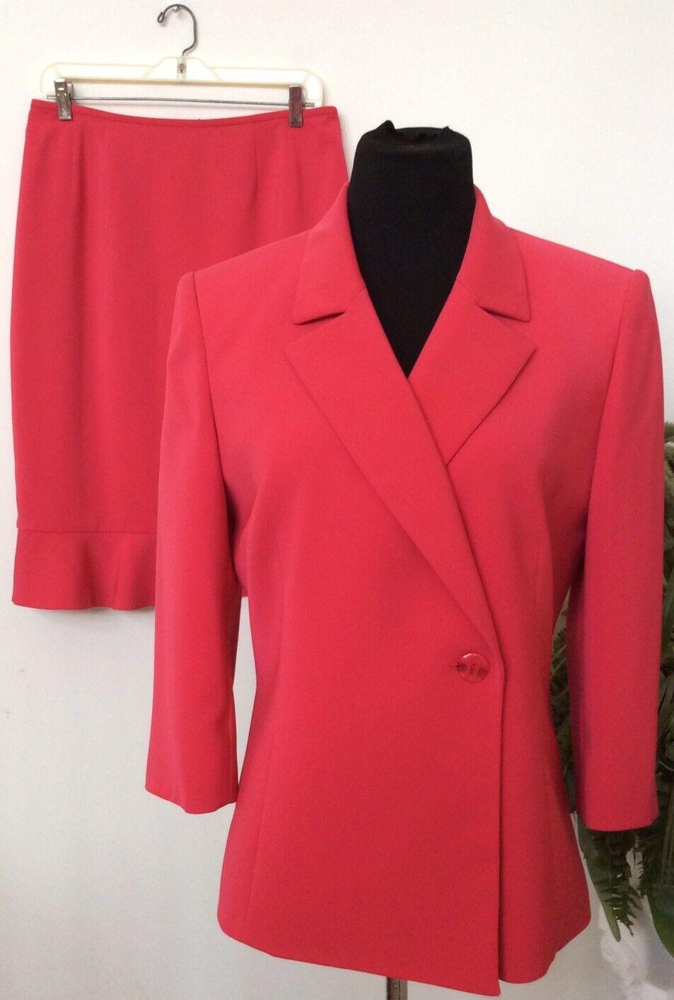 Le Suit Women's Career Pink 100% Polyester 2 Piece Skirt Suit Size 10 EUC