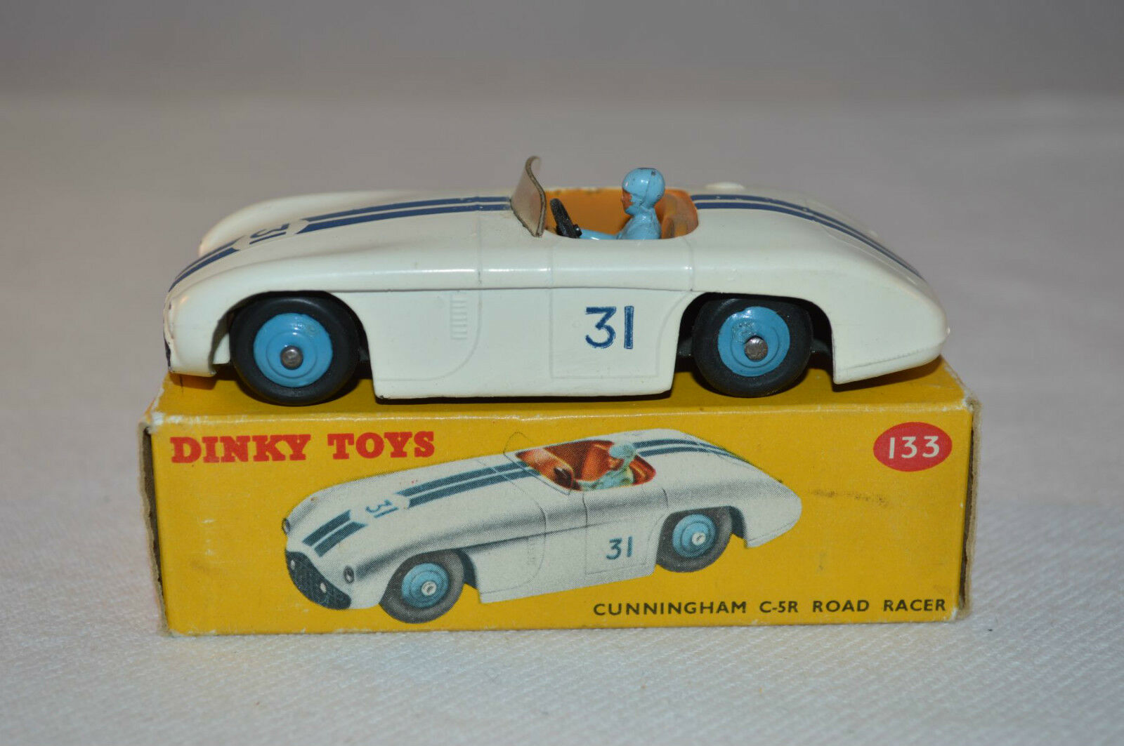 Dinky Toys 133 Cunningham C-5R Road racer excellent plus in box all original