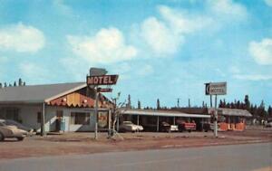 CRESCENT-MOTEL-Ray-amp-Clyda-Jones-Crescent-Oregon-Roadside-ca-1970s-Postcard