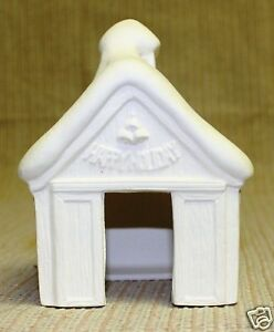 Ceramic-Bisque-House-Reindeer-Barn-Scioto-Mold-890-U-Paint-Ready-To-Paint