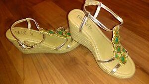 d91fd62650d81 NEW Fibi   Clo Womens 6 Star Wedge Blingy Sandal Green Stone Dust