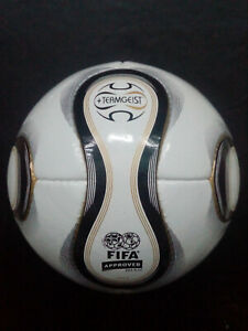 Adidas-Teamgeist-Soccer-Match-Ball-2006-FIFA-Worldcup-Germany-Size-5