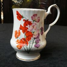 Vintage ROYAL WINDSOR 2977 England BONE CHINA Dainty COFFEE MUG Orange Flowers