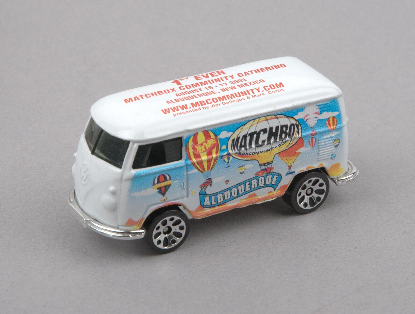MATCHBOX 2003 1st jamais Community Gathering 1967 VW Delivery Van (Rouge)  En parfait état, dans sa boîte