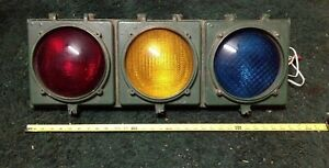 Stop-and-Go-Traffic-Light