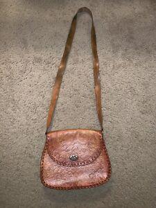 189d979b215d Image is loading Vintage-Tooled-Leather-Crossbody-Bag-Purse-Handbag-Trinidad -