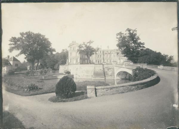 France, Château De Montcoy (saône Et Loire) Vintage Silver Print. Tirage Argen Vente En Ligne Du Dernier ModèLe En 2019 50%