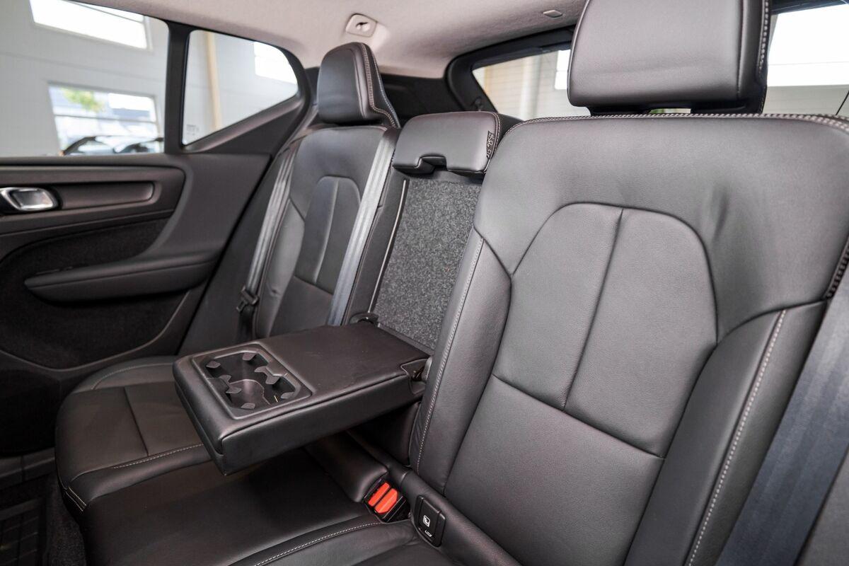 Volvo XC40 D4 190 Momentum aut. AWD
