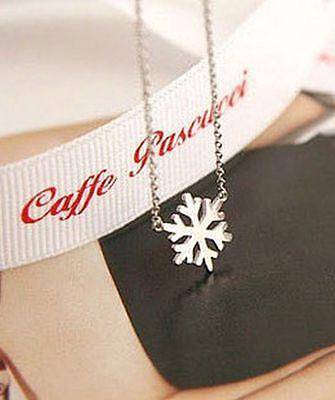 Super cute silver tone snowflake chain necklace