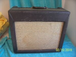1960 supro 1696tn tube amp guitar or accordion amplifier p15p jensen as is cond ebay. Black Bedroom Furniture Sets. Home Design Ideas