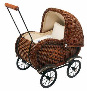 puppenwagen korbgeflecht braun mit kissen und decke puppenkinder speichenr der ebay. Black Bedroom Furniture Sets. Home Design Ideas