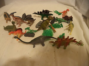 Toys & Hobbies Landscape Pieces Crazy Price Temperate Lot Of 16 Vintage Dinosaurs