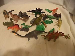 Temperate Lot Of 16 Vintage Dinosaurs Toys & Hobbies Animals & Dinosaurs Landscape Pieces Crazy Price