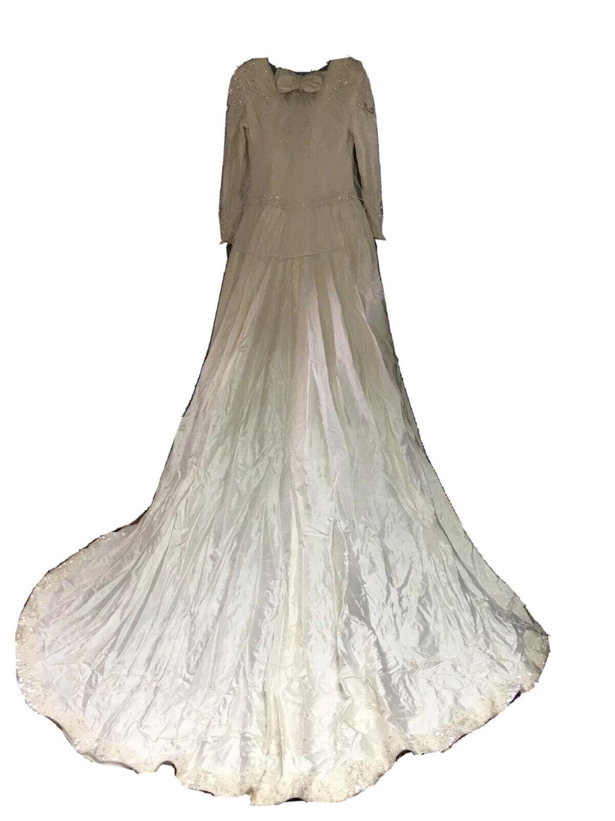 BEAUTIFUL Long Sleeve Mermaid Long Train VTG Wedding Dress Size L/XL EXPENSIVE!!