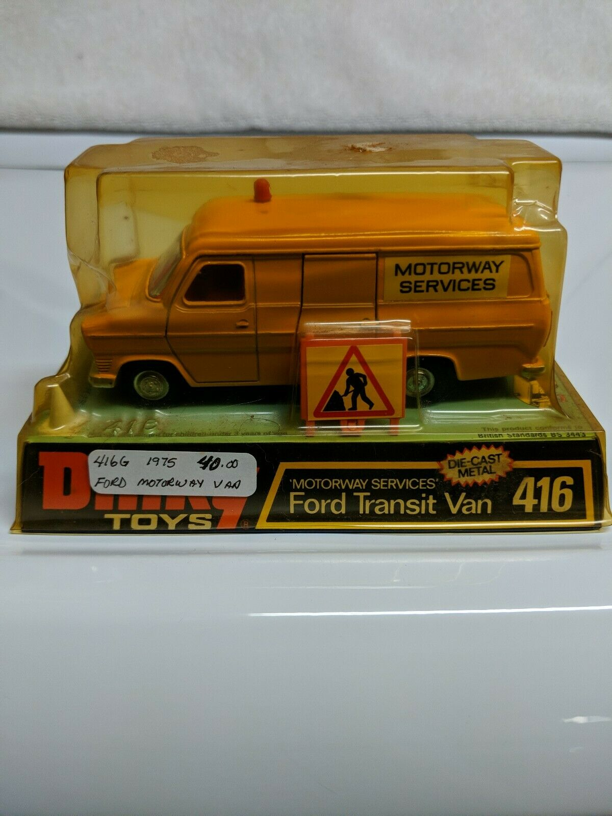DINKY TOYS 416 FORD TRANSIT VAN Motorway Services jaune made in England