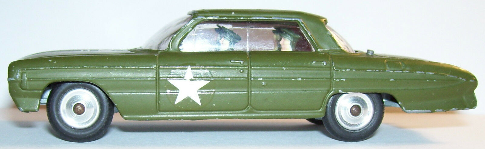 RARE MADE GREAT BRITAIN 1964 CORGI TOYS OLDSMOBILE SUPER 88 HQ STAFF CAR REF 358