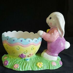 Vintage Ceramic Easter Egg Planter W/Rabbit on Green Grass Preowned