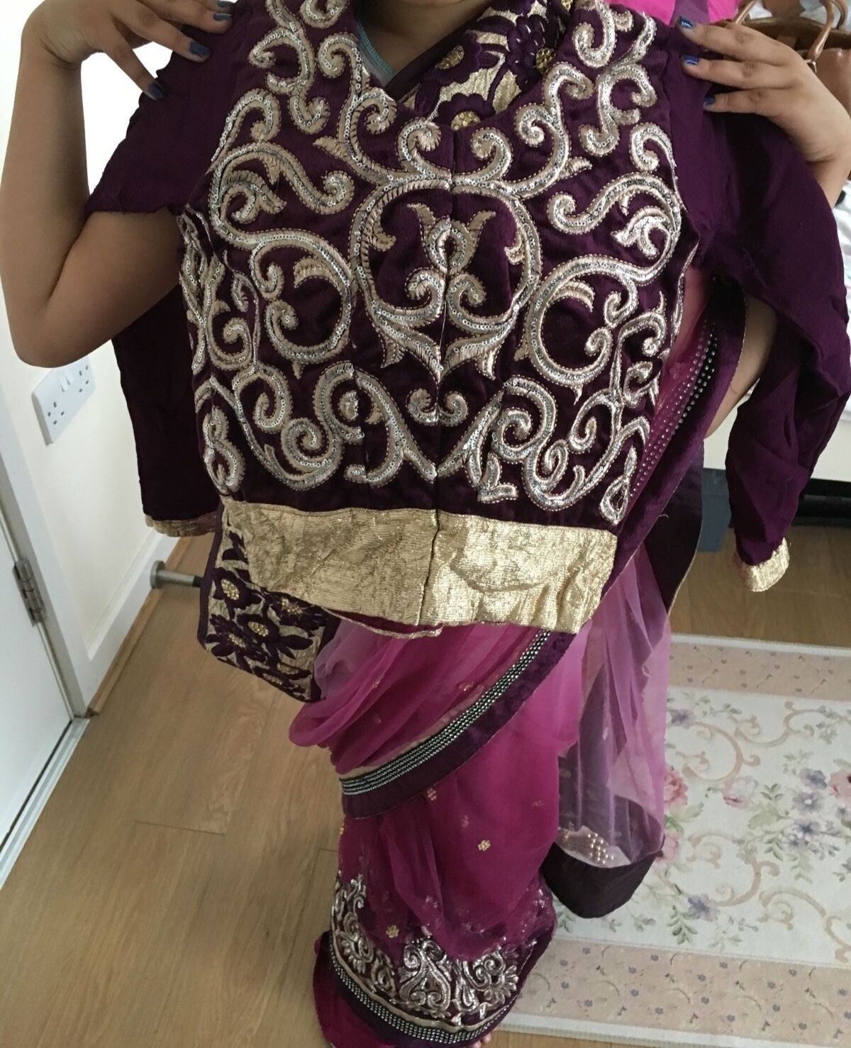 Asian Indian Bollywood Net Saree (purplec Purple with gold work)