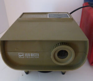 Vintage-GAF-30-Standard-Projector-View-Master-with-Case-12-volts-AC-DC-Charity