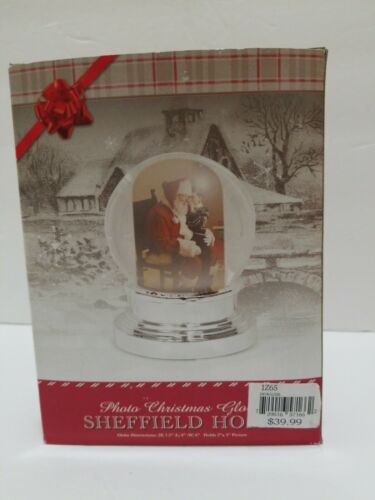 """Details about  /NEW 2007 SHEFFIELD HOME PHOTO CHRISTMAS SNOW GLOBE 7.5""""x6"""" Holds 2""""x3"""" PHOTO"""