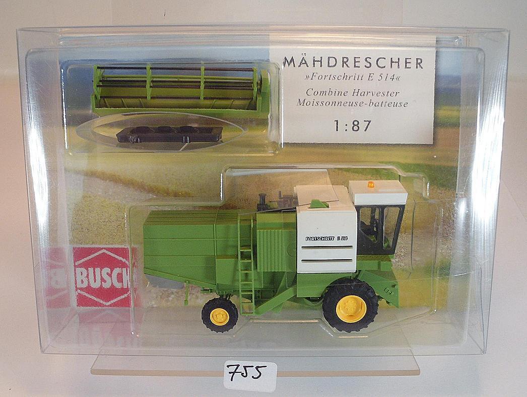 Busch 1 87 Nr. 40174 Mähdrescher Fortschritt E 514 green OVP