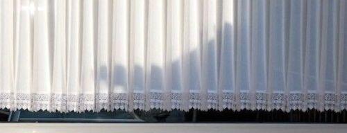 Halbtransparente Sable Store 8cm Spitze  B//H 200cm x 60cm Kräuselband