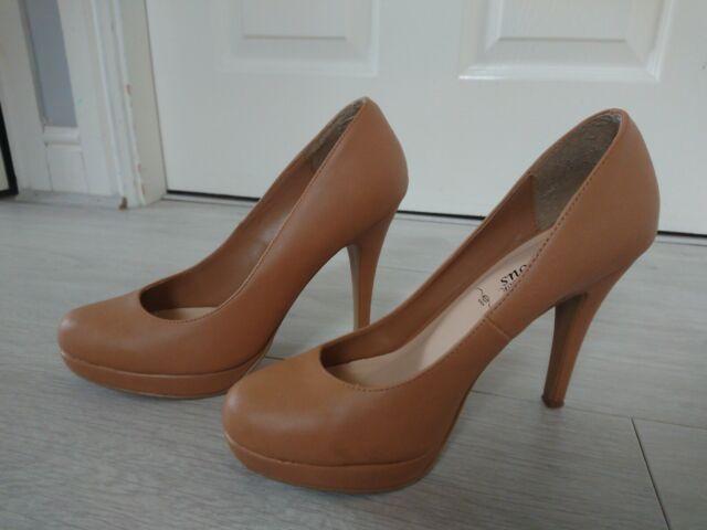 Ichlibi Satin High Heel Court Shoe