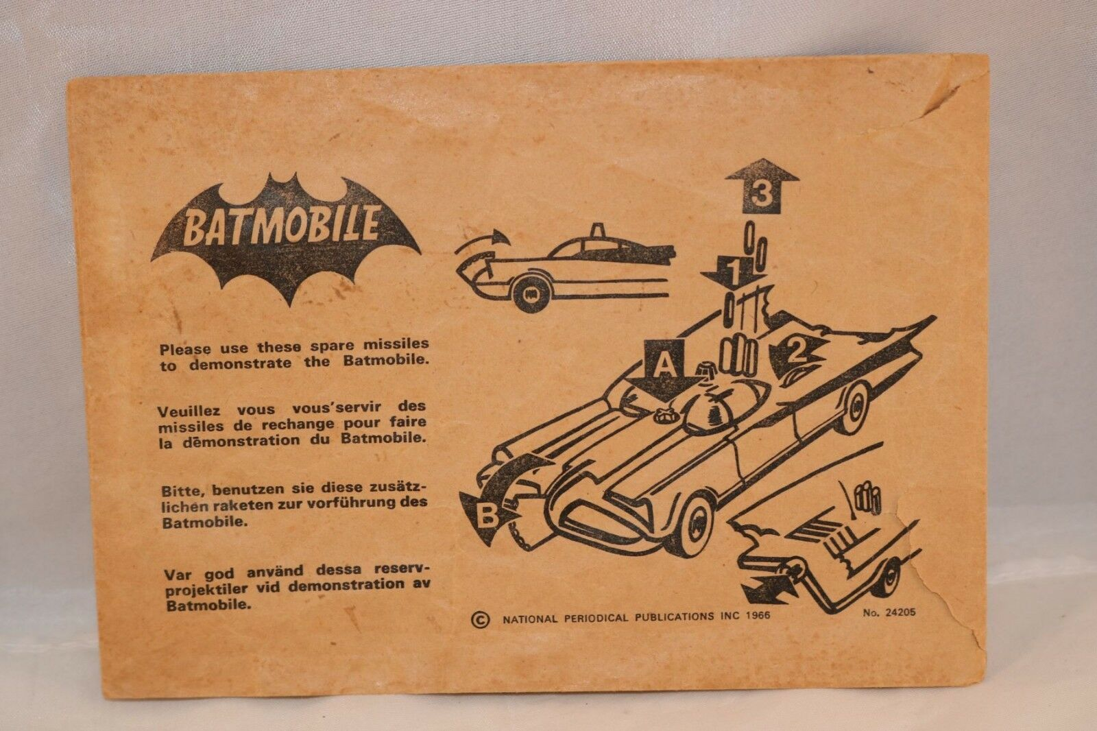 Corgi Toys 267 empty envelope for Batmobile spare missiles very scarce. 2