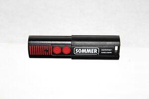 Sommer 4054V004 Two Button Remote Transmitter Garage Door Opener 310 MHz Garagedeuren, openers Overig