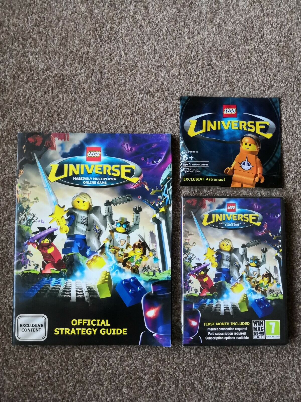 Lego Universe Minifigure, Guide And Pc Disc Lego History.
