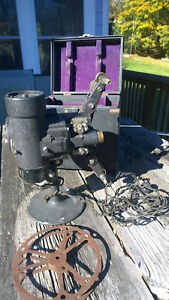 VINTAGE-BELL-AND-HOWELL-8MM-PROJECTOR-MOVIE-CINE-PROJECTOR-antique-with-case-and