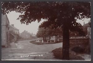 Postcard-Bishop-Monkton-near-Harrogate-Yorkshire-children-by-village-bridge-RP