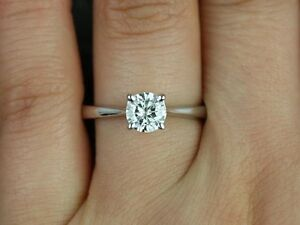 Natural Round Brilliant Earth Mined Sparkling Diamond Solitaire Gold