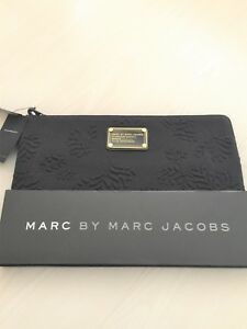 Marc-Jacobs-Black-Laptop-Sleeve-Case-Cover-for-11-034-MacBook-Air-New