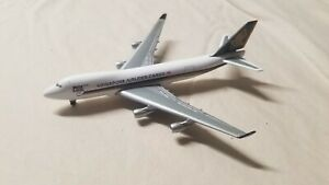 1-500-B747-400F-Singapore-Cargo-500869-Herpa-Airplane-model