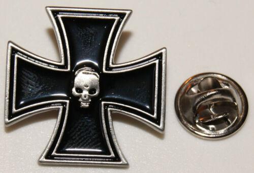 skull l Anstecker l Abzeichen l Pin 202 Eisernes Kreuz