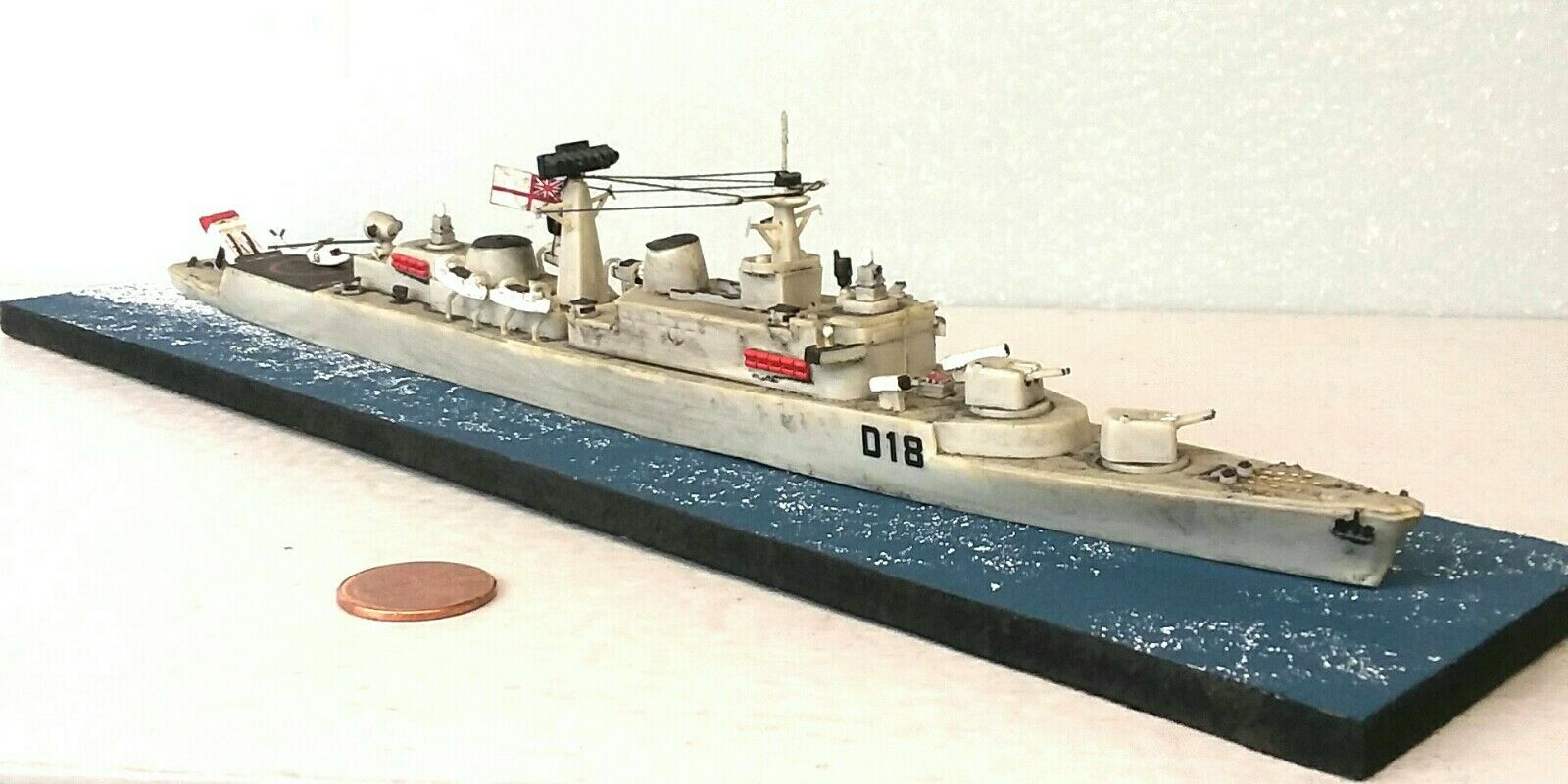 1 600 Scale Built Plastic Model Ship HMS Antrim D18 Destroyer